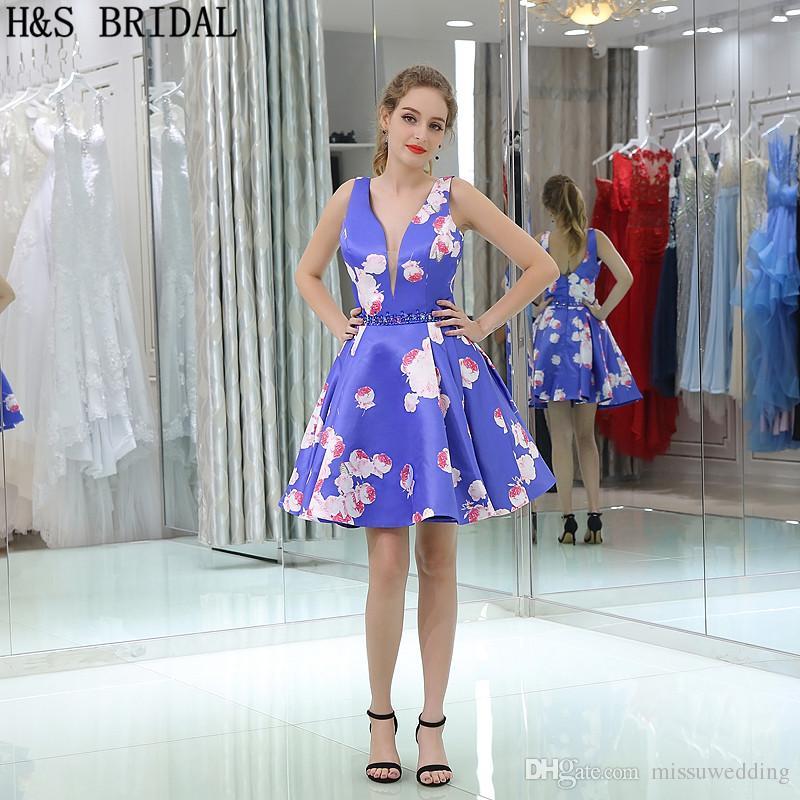 Compre Rebordeado Patrón Satinado Vestidos De Baile V Cuello Mini ...