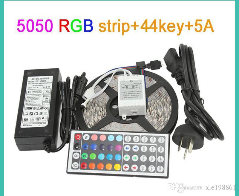 IP65 wasserdichte 5M 300Led SMD 3528/5050 RGB flexible LED-Leiste leuchtet 120 Grad + 24key / 44key IR-Fernbedienung + 12V 2A / 5A Adapter.