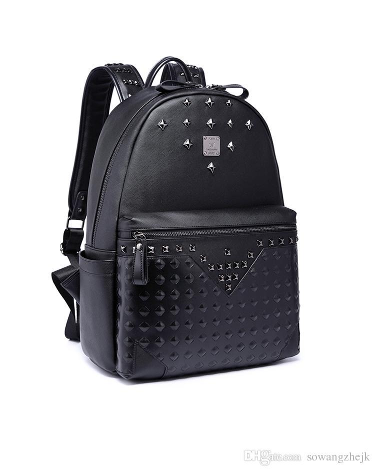 Große Kapazität berühmte Designer Niet Punk-Stil hochwertige Männer Schulter Rucksack Schüler Bookbag Marke Daypack heißer Verkauf Reisetaschen