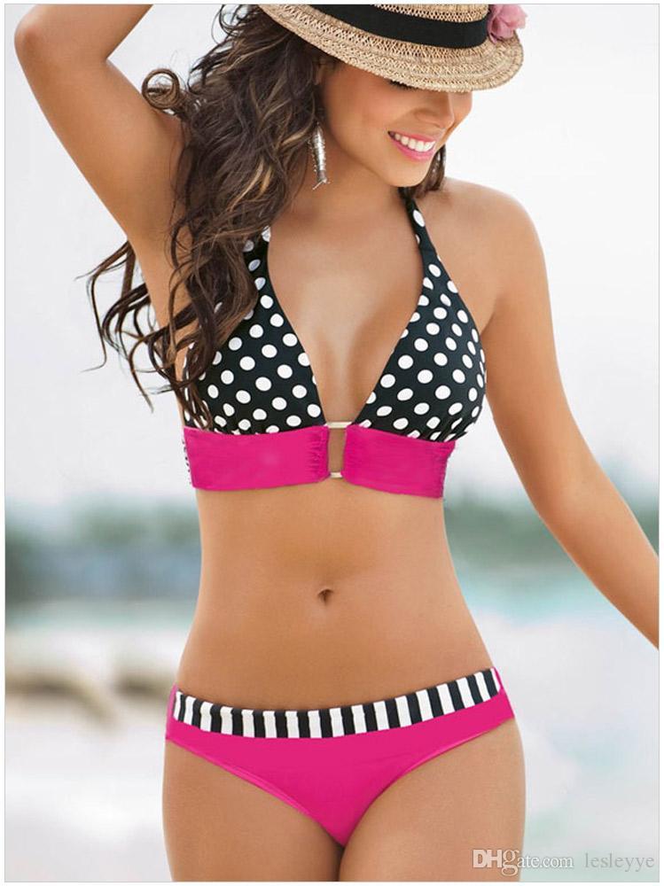 Le centre de boucle sexy de loisirs de plage a réuni un maillot de bain deux pièces bikini fissionSet Soutien-gorge rembourré Triangle Maillot de bain Maillots de bain