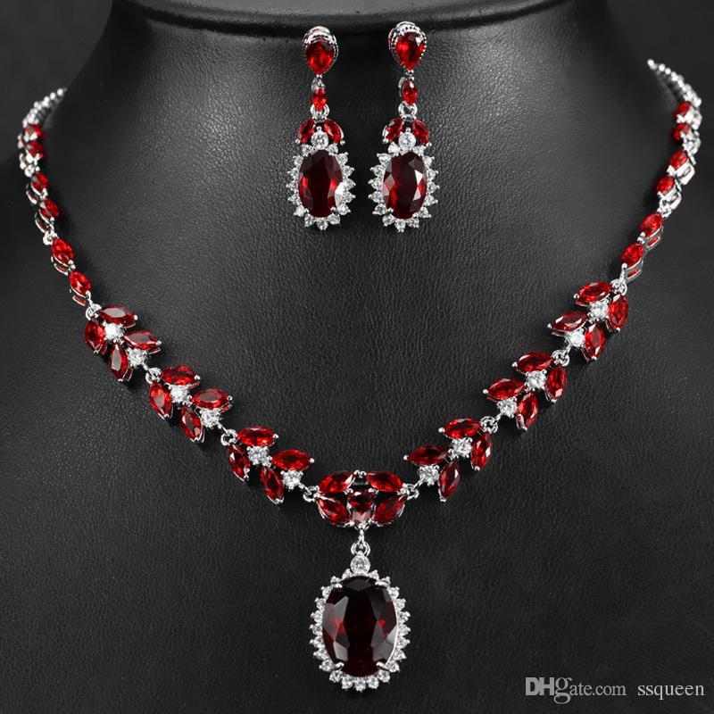 96cce7004eb9 Compre Platino Plateado Brillante Brillante Oval Rubí Rojo 5A CZ Diamante  Compromiso De Lujo Joyería De La Boda Collar De Aretes Conjuntos Para  Novias A ...