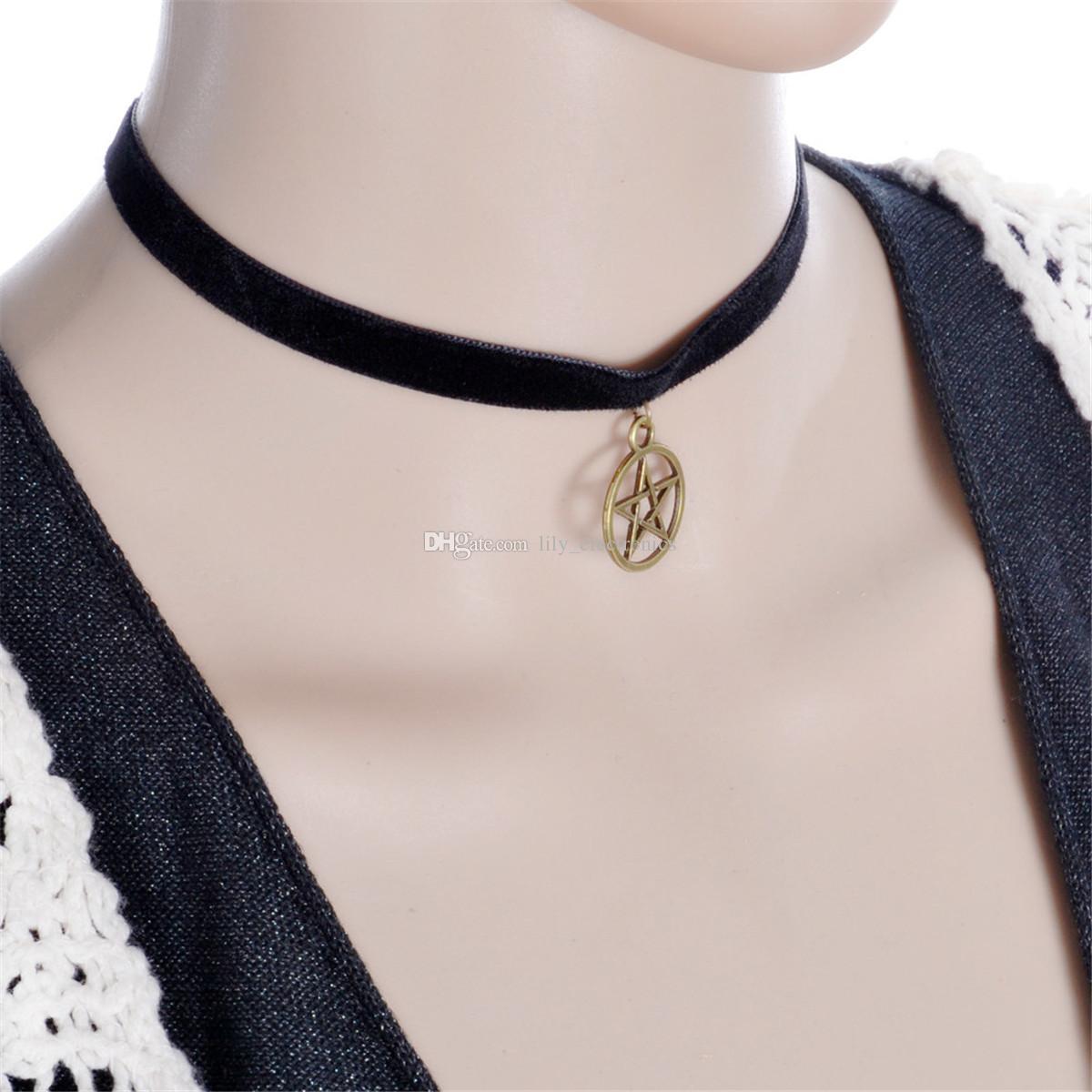 Rétro Exagérer En Velours Noir Alliage De Ruban Pentagram Chock Bijoux Pour Les Femmes Paquet de
