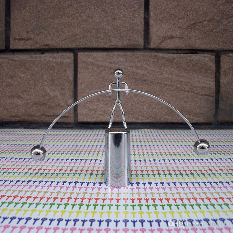 Nouveau Originalité Bascule Haltérophilie Petit homme de fer Personnalité de jouet de fantaisie Jouets en métal intéressants Petits ornements IA746