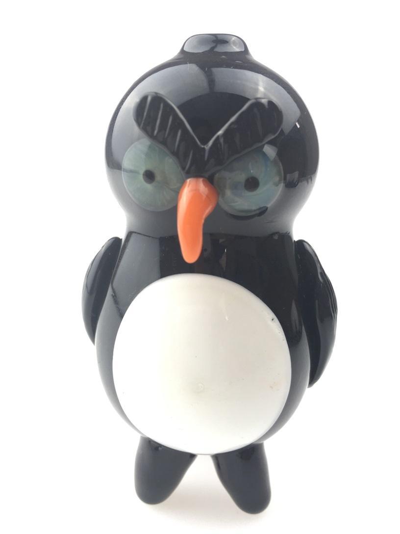 Petit pingouin pipe, narguilé de verre, bienvenue à l'ordre
