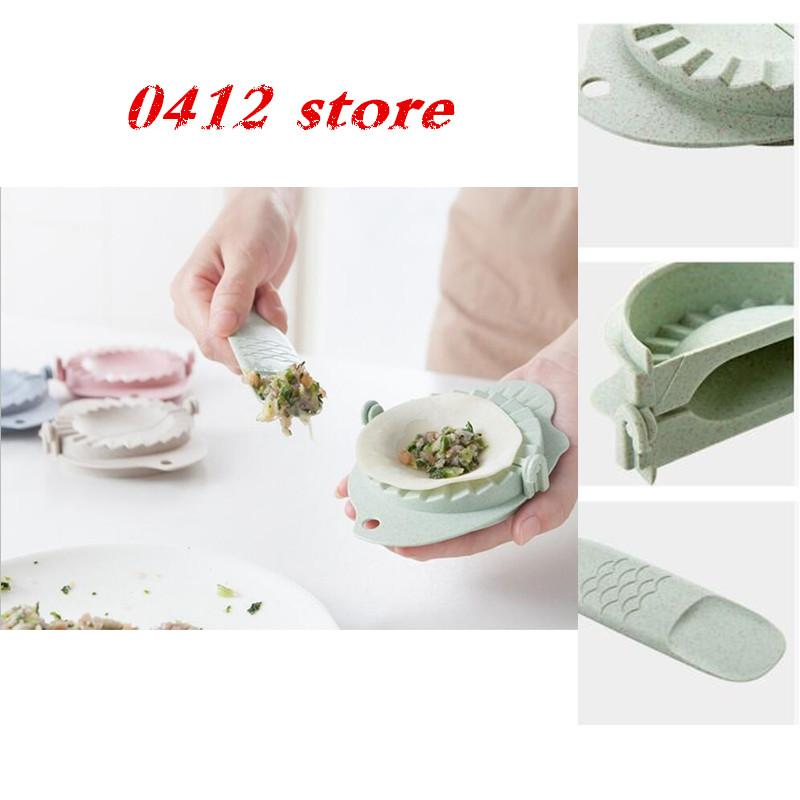 Wholesale- Fish shape Dumpling molds Household dumpling machine Creative  kitchen supplies Dumpling Maker Gyoza Mold Tool a Stuffing spoon