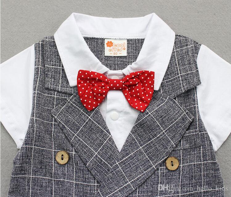 2017夏の子供たちのスーツの男の子の格子縞の紳士の弓偽2つの部分半袖トップスティー+格子縞のショーツ2個セット赤ちゃん子供服