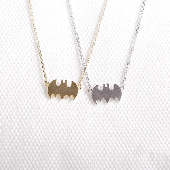 Arbeiten Sie Batmanzeichen drei Farben um, um hängende Zinklegierungshalskette mit freiem Verschiffengroßverkaufgroßverkauf, bestes Geschenk der Frauenfeiertage zu wählen