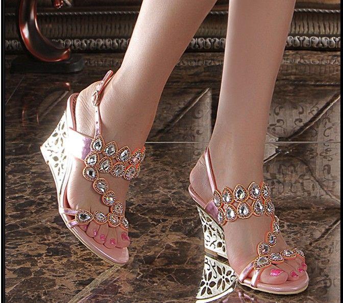 Vente chaude 2016 nouvelle mode gladiateur cales talons hauts sandales de luxe bling bling strass boucle femmes chaussures pantoufles d'été grande taille 34-44