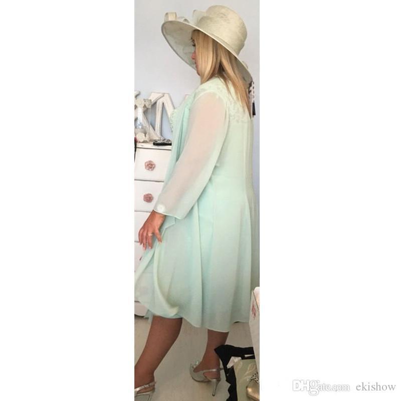 2017 gasa verde menta Sexy cuello en v columna corta madre de la novia viste con abrigo de tallas grandes chaqueta ocasional de encaje té longitud de vestidos de noche