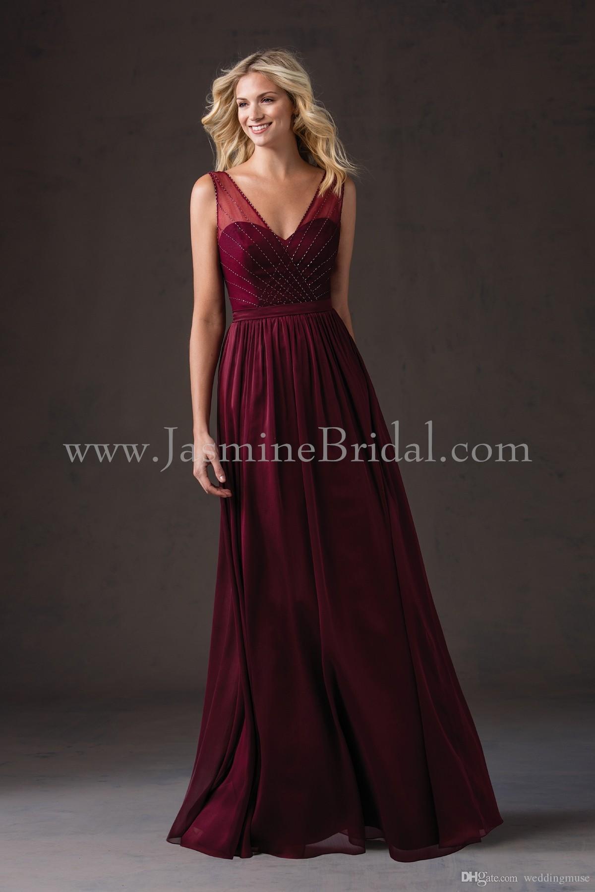 Hot 2021 Burgundy Bridesmaid Dresses V Neck Ärmlös En Linje Pärlstav På Översta Golv Längda Långa Junior Brudtärna Klänningar