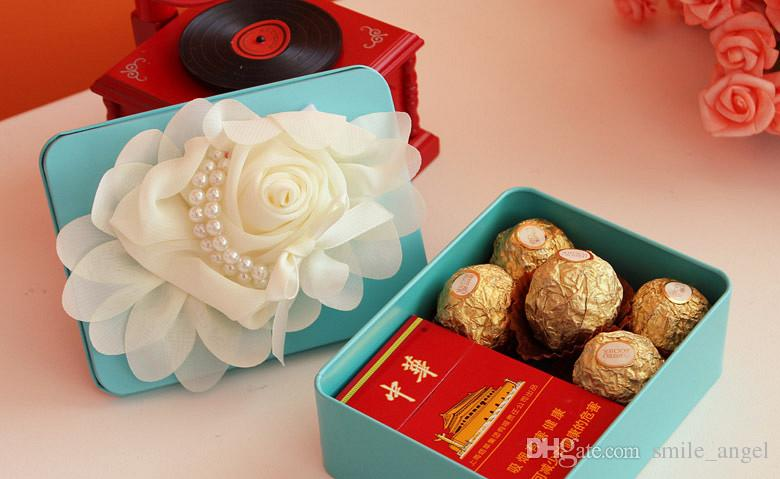 Wedding Favor Box Blue with big Ivory Flower Decorations Candy Boxes Nostalgic Boxes 2016 New Beautiful Wedding Favors