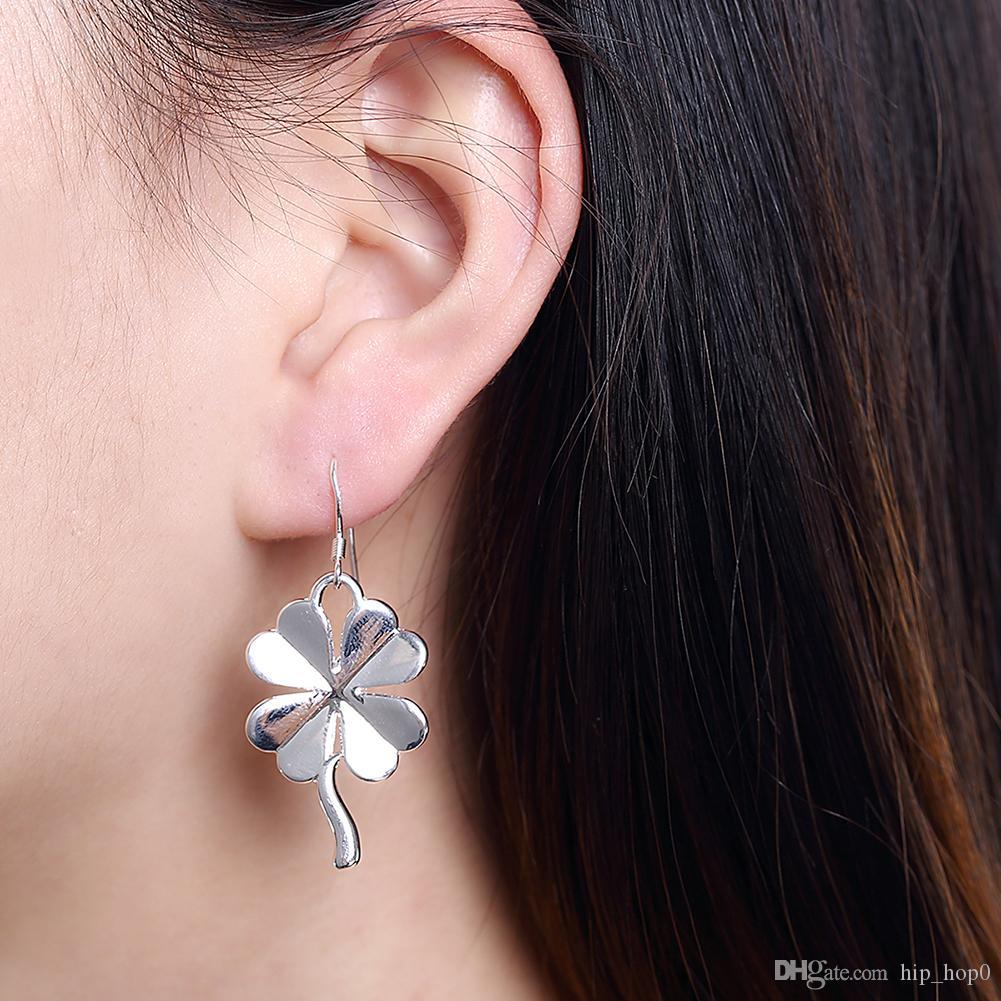Vierblättriges Kleeblatt Ohrringe versilbert Ohrringe Silber Modeschmuck Glücksgeschenk für Frauen Mädchen Haken Ohrringe Schönes Weihnachtsgeschenk