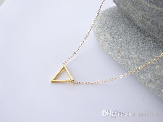 -N135 крошечные открытые треугольник ожерелья Шеврон треугольник контур ожерелье простой геометрические V Ожерелье для женщин
