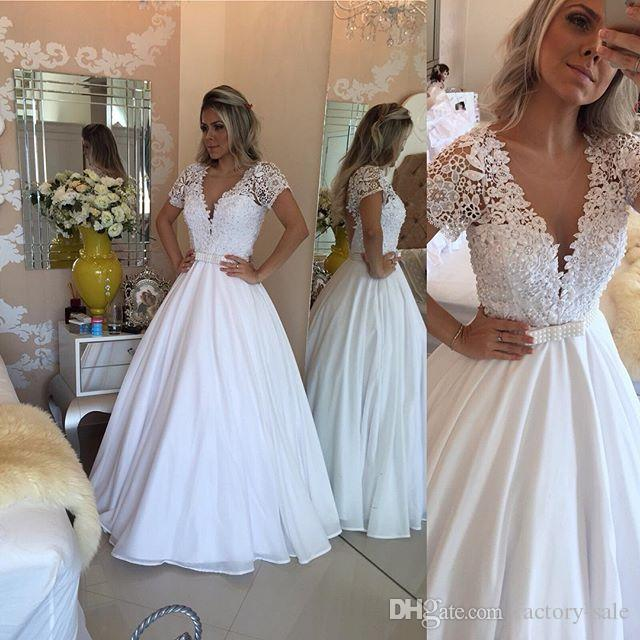 Pluning V Cuello Blanco Vestidos de baile Una línea Mangas cortas transparentes Cristales de encaje Con cuentas Bowknot Fiesta de noche larga Vestidos de novia