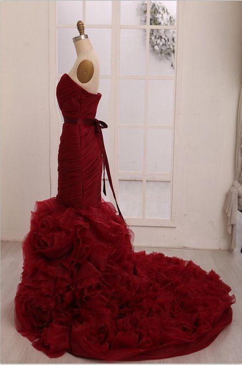 Abiti da sposa a sirena rosso vino bordeaux reale Abiti da sposa gotici increspati increspati Abiti da sposa bianchi non bianchi