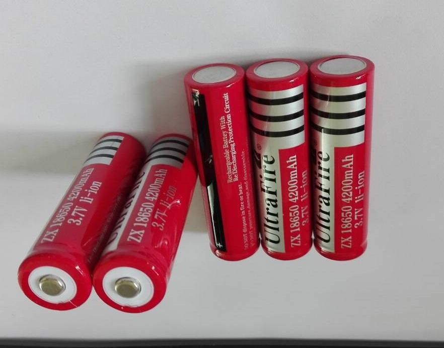 Grande remise ,, Livraison gratuite ultrafire 18650 3.7V batterie rechargeable 4200mAh pour lampe de poche LED