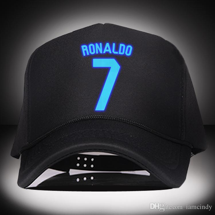 Luz De Noche Madrid Ronaldo Gorras De Béisbol Moda Snapback Sombreros Hip  Hop Sol Sombrero Hombres Deporte Fútbol Fútbol Estrella A  12.07 Del  Iamcindy ... 0486b1ca0ca