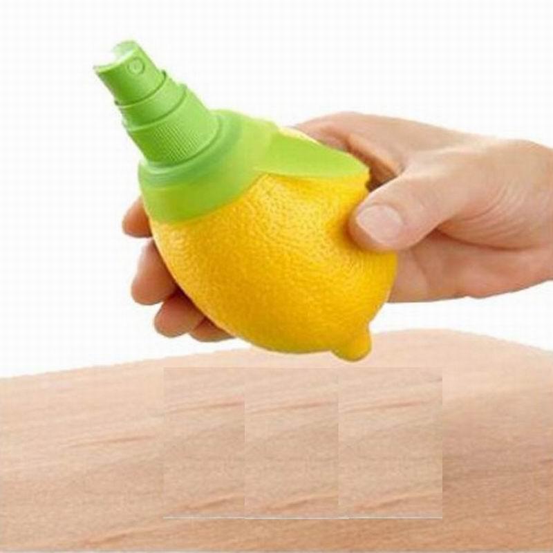 Limón y lima fruta encantos sandía rociador de jugo 2 unids / lote Citrus Spray Mano Fruta Exprimidor exprimidor Exprimidor de cocina Herramientas de cocina