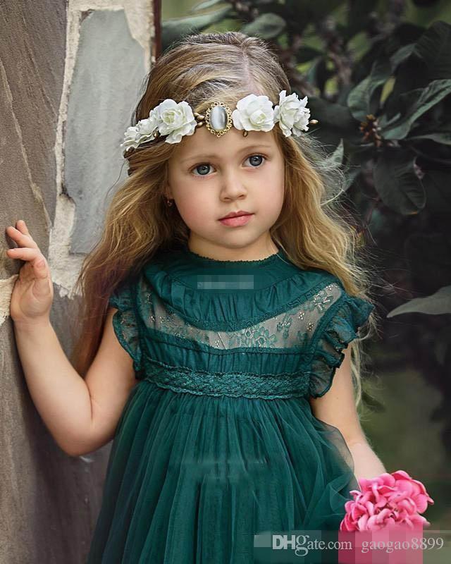 Niedliche dunkelgrüne Blumenmädchenkleider A Line Crew Cap Sleeves Mädchen Pageant Kleider Tüll Spitze Appliques Baby Geburtstag Party Kleid