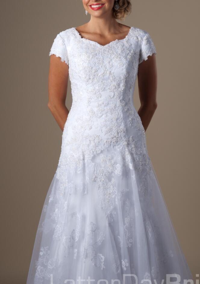 Vestidos De Casamento Modestos Branco Da Trombeta Do Laço Com Mangas Curtas Frisado Apliques Queen Anne Neck 1950s Vestidos De Casamento Formais Com Mangas