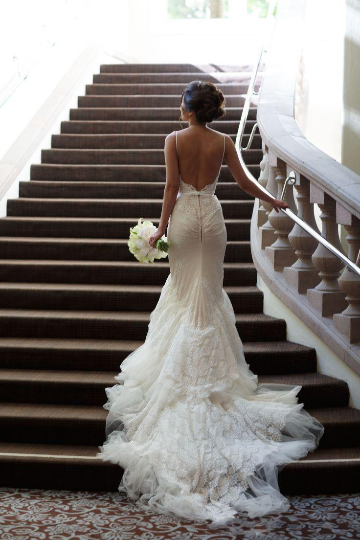 Romantico Abiti da sposa in pizzo Mermaid Backless 2019 Plus Size Spaghetti Straps Tulle Sweep Treno Appliques Vintage Beach Biding Gowns
