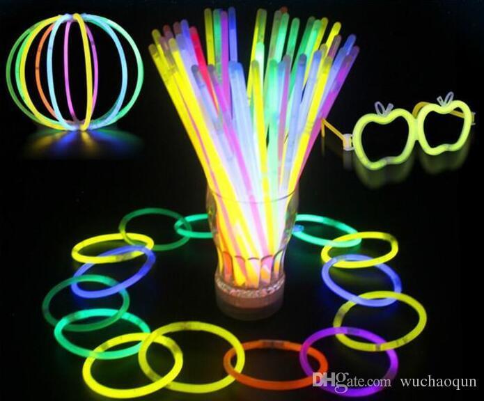Многоцветный Hot Glow Stick Браслет Ожерелья Неоновая Вечеринка LED Мигающий Светильник Палочка Палочка Новизна Игрушка LED Вокальный Концерт СВЕТОДИОДНЫЕ Флэш-Палочки 200 шт.