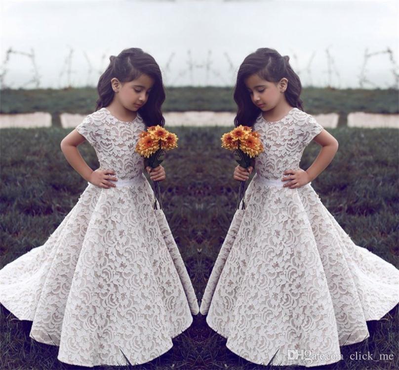 d8f3a33ba4db7 Acheter Dentelle Robes De Fille De Fleur Pour Le Mariage Vintage Jewel  Manches Courtes Une Ligne Filles Robe Pageant Sweep Train Enfants D anniversaire  Robe ...