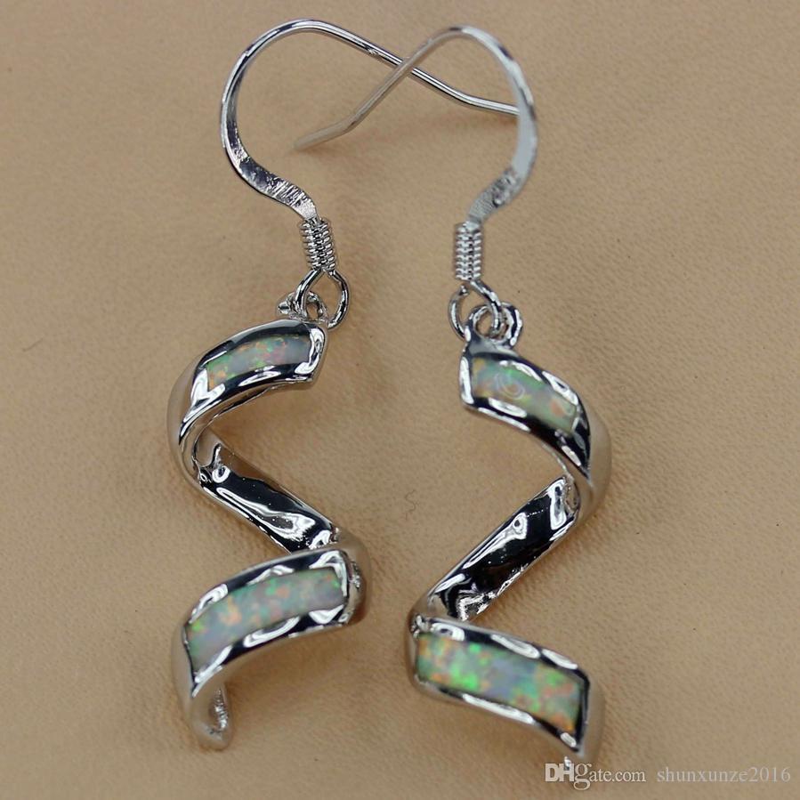 Promotion Boucles d'Oreilles Romantiques Cuivre Rhodium Opale Blanche MN4047