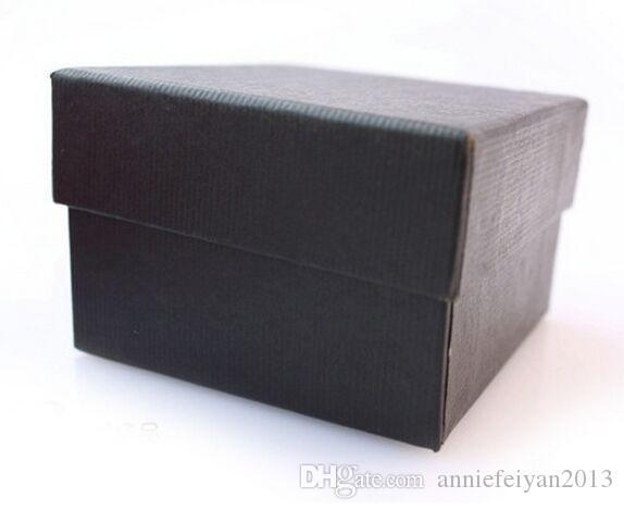 Taille 8.5 * 8 * 5cm Bijoux / Bijoux Collier Boucles D'oreilles Anneaux Ensembles Cadeaux Montre Emballage Emballage Emballage Affichage Affichage Boîte Boîte avec Oreiller