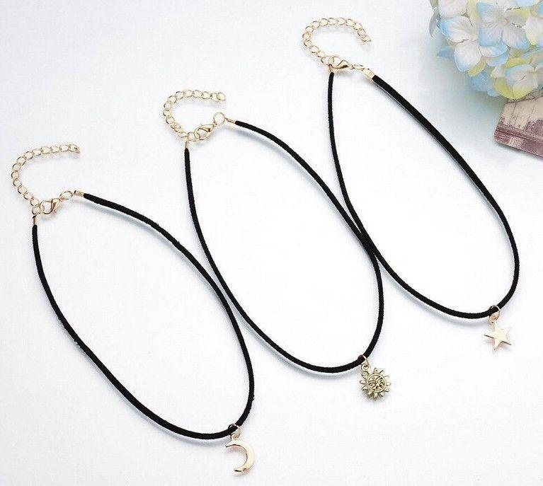 Corée du Sud Style / SET Colliers Femmes Noir Mince Chocker Lune / Étoile / Soleil Dieu Conception Chockers Longueur 34 + 9 CM Femmes Pendentif De Mode Chocker