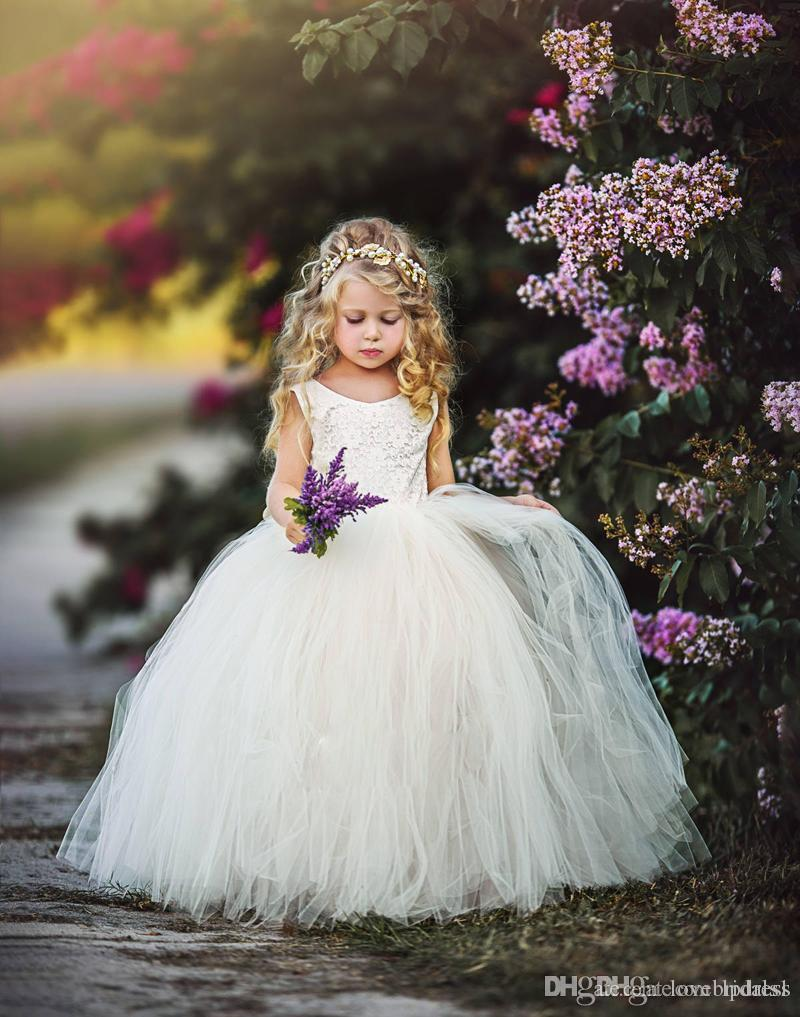 les filles de fleur de tulle de dentelle s'habillent pour le bijou de mariage dos nu longueur de plancher simple belle robe de première communion