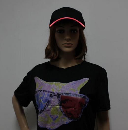 Berretto da baseball di sport di modo delle donne degli uomini caldi LED Cappellino da notte del partito di hip-hop del discoteca del berretto da baseball della notte che funziona ha illuminato il visore del cappello di bagliore acceso