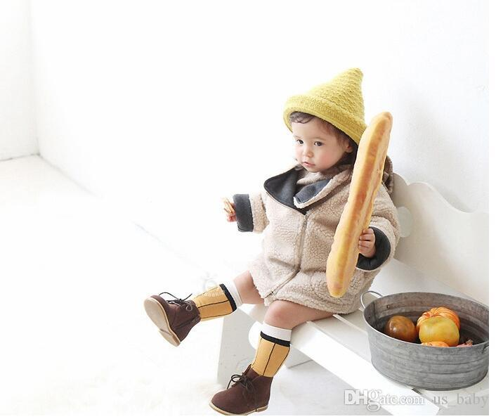 Bambino di stampa matita calzini svegli dei bambini della ragazza del ragazzo di colore giallo calzetteria nero caldo infantile del ginocchio Highs calze 2styles 2size
