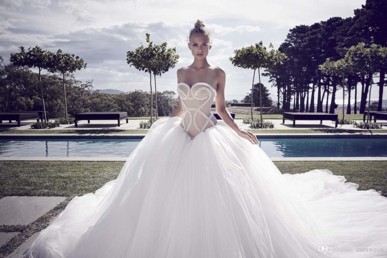 2017 vestidos de novia sin espalda sexy vestidos de novia sin mangas de cariño tren de la corte bola de lujo vestido de boda crecido