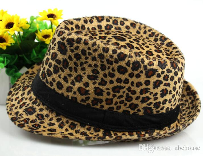 Hot! Leopard Print Caps White Beige Yellow Red Fitted Caps Fashion Street Caps Medium Size for Almost British Jazz Cap Cowboy Hat