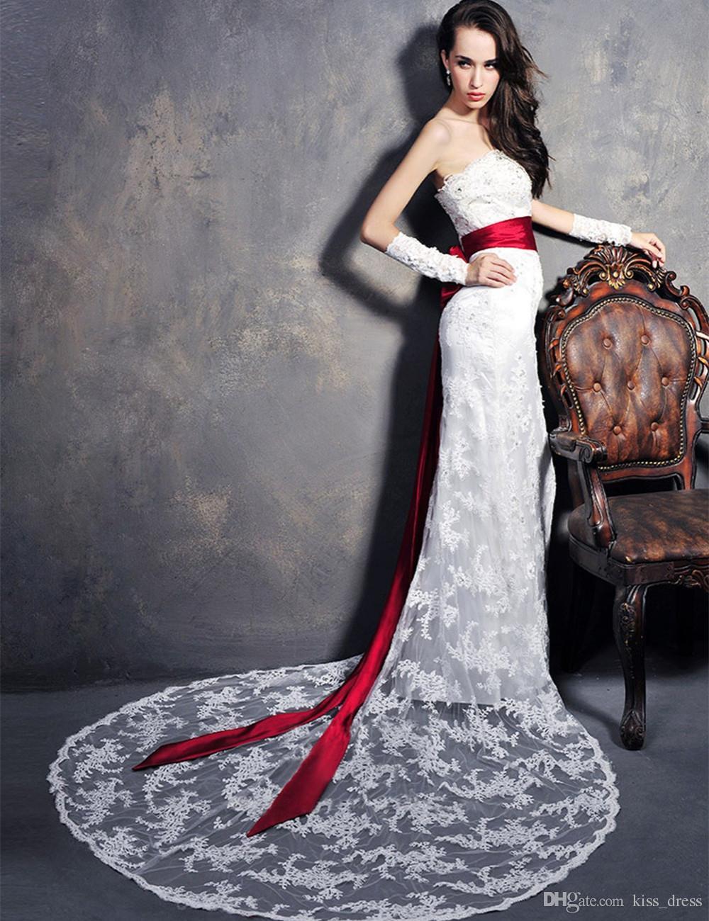f8bfc024da09 Venta caliente elegante blanco y rojo Vestidos de novia Sirena sin tirantes  con cuentas de encaje Corte tren Cinta Sash Vestidos de novia largos por ...