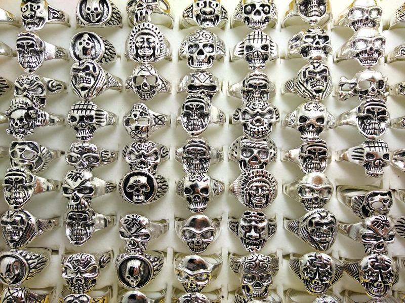 Wholesale Bulk 100 шт. Стили Топ микс черепные кольца скелет ювелирные изделия мужская подарочная вечеринка Преимущества Мужчины Biker Rings Man Jewelry Новый