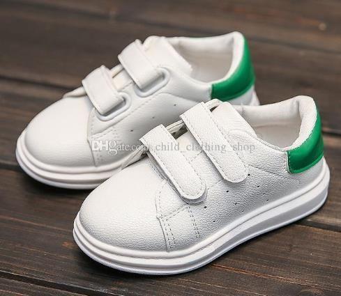 395dcd30941 Compre Niño Niñas Zapatos Blancos Pequeños Zapatillas De Deporte Niños  Zapatos De Cuero Zapatillas Deportivas De Deporte A $14.21 Del  Child_clothing_shop ...