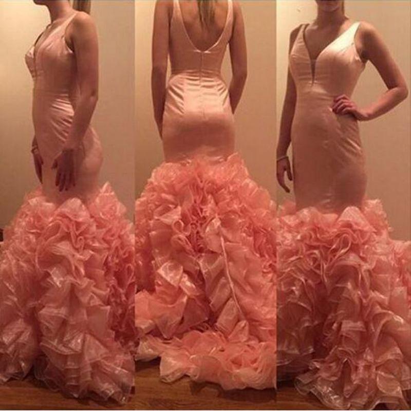 Top Fashion Peach Blush Ruffles Tren Vestidos de fiesta Fiesta Sirena Concurso de personalización Con cuello en V Trompeta Ocasión Vestido de noche formal