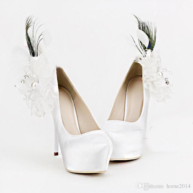 Apliques de luxo e Mulheres De Penas De Salto Alto Sapatos De Casamento de Cetim Branco de 5,5 Polegadas de Salto de Moda Plataforma Mãe de Sapatos de Noiva