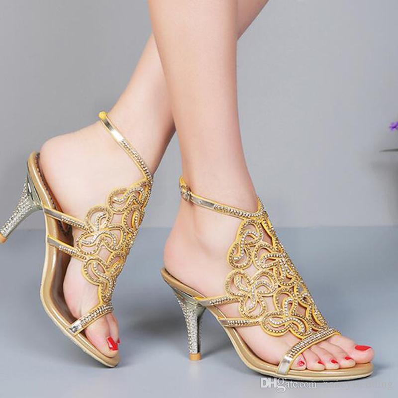Primavera ed estate Sandali estivi Tacchi sottili Diamond Pantofole femminili Scarpe da festa da sposa Donne Sexy tacchi alti con cinturino alla caviglia
