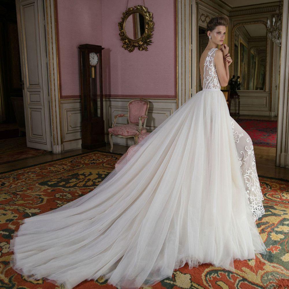Vestidos de novia de escote en V profundos con falda de tul extraíble Apliques de encaje Sin mangas Sin respaldo Corte de tren Una línea Vestidos de novia