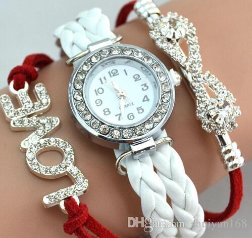 Amour en cuir Montres Femmes Montres Quartz Amour Montres en Cuir Cristal Cas Rond Bracelets Charmes Montre Cadeau De Noël