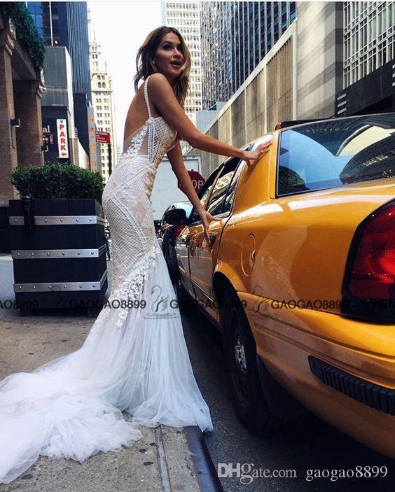 2019 Pallas Couture Incroyable Détail Sexy En Plein Air Sirène Robes De Mariée 3D Dentelle Florale Spaghetti Dos Nu Robes De Mariage De Pays