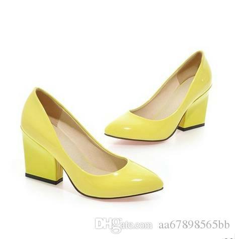 여자 높은 chunky 뒤꿈치 신발 pointy 폐쇄 발가락 가죽 사무실 슬립 펌프 노랑 / 검정 / 흰색