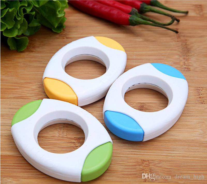 Cucina creativa da pranzo Egg Topper Cutter Shell Opener Egg- Battente in plastica Bollito Raw Shell Open Tools