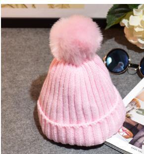 Kinder stricken Mützen Cap mit Ball schönen Rollkragen Pom Pom Mütze Hut Herbst Winter warme Mütze für Kind junge Mädchen Großhandel heißer Verkauf