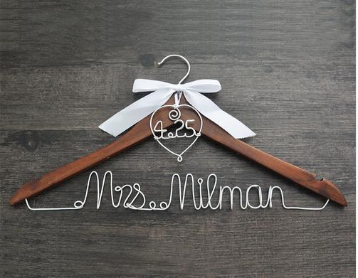 Personalized Wedding Hanger with heart and date for your wedding bridal hanger bow wedding dress hanger Bridesmaids For wedding party gifts