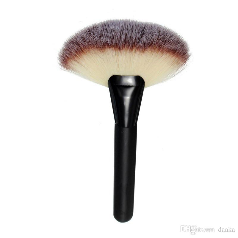 Women Pro Large Fan Goat Hair Blush Face Powder Foundation Cosmetic Makeup Brush Tool Gift