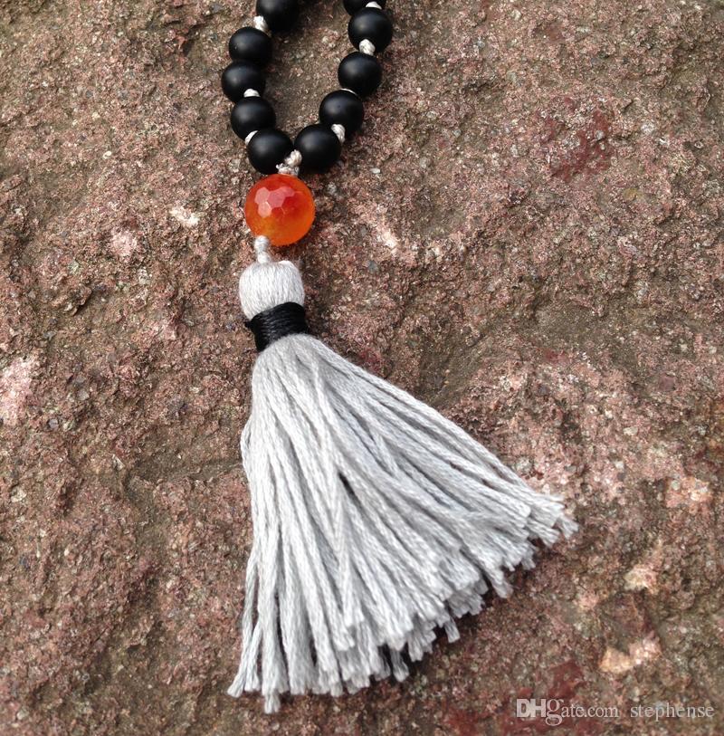 ST0186 108 Mala Perlenkette Lange Halskette mit Quaste Verknotet Matte Black Onyx Stein Halskette Phantasie Rosenkranz Halsketten